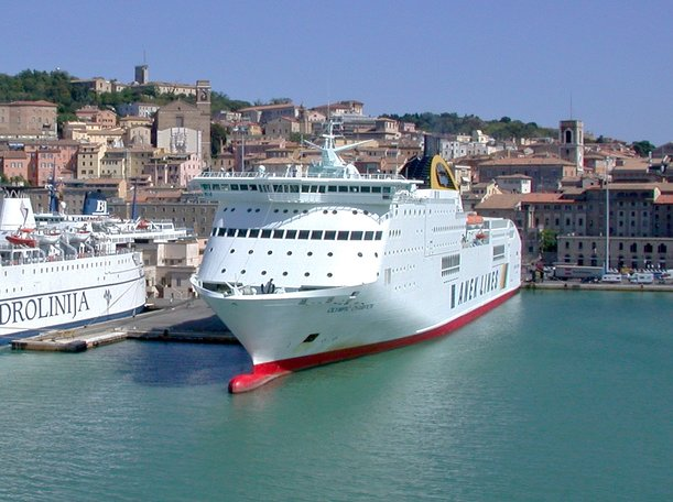 port_of_ancona_anek_lines